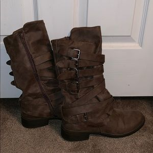 Report brown buckle boots
